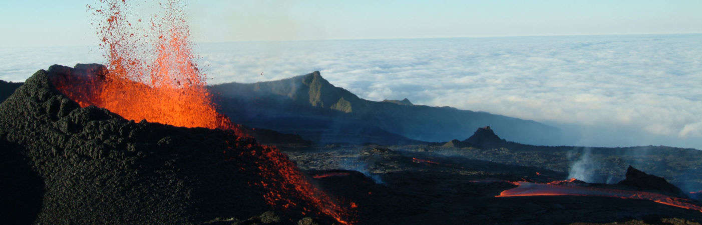 Photo du volcan en éruption de La Réunion, Piton de la Fournaise